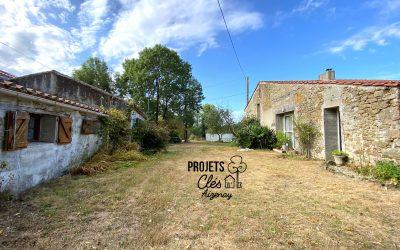 Propriété atypique d'environ 200m2, à rénover : Maison + Grange
